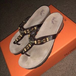 Brown white Mountain wedges size 7 Womens